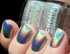 This holographic Chanel nail polish looks awesome. Get Nails, How To Do Nails, Hair And Nails, Chanel Nail Polish, Chanel Nails, Short Nails, Long Nails, Holographic Nail Polish, Holographic Fashion