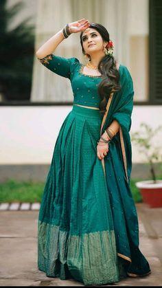 Indian Long Dress, Indian Gowns Dresses, Indian Blouse, Dress Indian Style, Indian Fashion Dresses, Unique Dresses, Half Saree Designs, Lehenga Designs, Kerala Engagement Dress