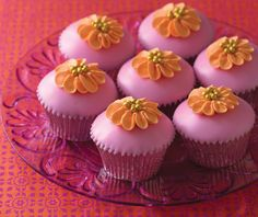 Fondant Dipped Cupcakes