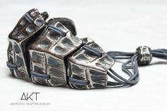 BRACELET CROCO destroyed weapons jewelry. Unisexe bracelet. Stainless steel from destroyed weapons metal.