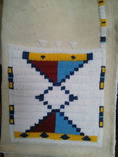 2013 Blackfoot pipebag Native American Artifacts, Native American Beadwork, Knitting Projects, Crochet Projects, Sewing Projects, Blackfoot Indian, Indian Beadwork, Medicine Bag, Animal Projects