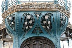 Détail de la façade de la graineterie  Génin-Louis  (Nancy)