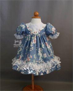 SALE Infant Dress Baby Girls Floral Print Dress di GrammiesNook