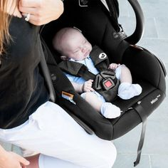Hire baby capsules & infant carriers from Maxi-Cosi. Keep your baby safe with engineer inspected & sanitized capsules. Rock A Bye Baby, Baby Equipment, Baby Safe, Nursery Inspiration, New Parents, The Book, Babyshower, Baby Car Seats, Cute Babies