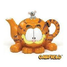 I love this garfield teapot