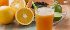 Suco detox de laranja, mamão e limão