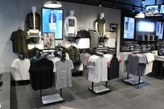 Bluewater_-_New_Look_Opening_shots_9042.jpg Visual merchandising. Retail store display. Men's clothing and accessories.