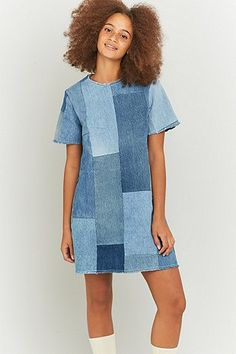 Urban Renewal Vintage Re-Made Patchwork Blue Denim Dress Your cover – which also carries a Blue Denim Dress, Denim Outfit, Jeans Dress, Denim Dresses, Blue Dresses, Patchwork Jeans, Patchwork Dress, Retro Outfits, Vintage Outfits