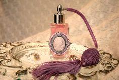 purplishme:  luxurious purple pump :)