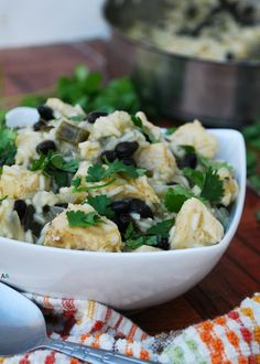 Easy weeknight meal: 30 Minute One Pot Green Chili Chicken and Rice (GF, DF… Green Chili Sauce, Green Chili Chicken, Green Enchilada Sauce, Chicken Rice, Allergy Free Recipes, Easy Weeknight Meals, Irish Recipes, Healthy Salad Recipes, Food Allergies