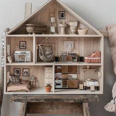 Stylish & Chic Kids Room Decorating Ideas - for Girls & Boys - Unique kids room storage idea // kids room decorations diy - Modern Dollhouse, Diy Dollhouse, Dollhouse Furniture, Vintage Dollhouse, Victorian Dollhouse, Barbie Furniture, Miniature Dollhouse, Miniature Furniture, Playroom Decor
