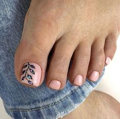 Make an original manicure for Valentine's Day - My Nails Pretty Toe Nails, Cute Toe Nails, Pretty Toes, Gel Toe Nails, Pedicure Designs, Manicure E Pedicure, Pedicure Ideas, Toe Nail Color, Toe Nail Art
