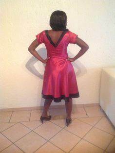 V shaped back is so classy!
