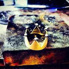 Gold crown k18 with diamonds