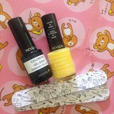 Domenica = Manicure Pop! Vi piace lo smalto giallo?  Mettete mi piace se anche voi amate i colori allegri in estate! (questa combo è @revlon ) #beautydea #nails #nailsofinstagram #nailsoftheday #manicure #revlon #revloveison #bbloggers #beauty #beautyblogger #instagood #instabeauty