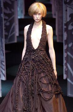 Guy Laroche - Ready-to-Wear - Runway -Collection - Women - Fall / Winter 2003