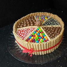 Cake Amazing Cakes, Fondant, Birthday Cake, Fancy, Baking, Studio, Eat, Desserts, Food