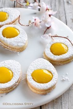 Easter is a perfect time to hit the kitchen, create wonderful delicious cookies and get baking. Plus, your kids will totally love helping you prepare this simple Italian Easter egg-shaped cookies! No Egg Cookies, Cookies Et Biscuits, Yummy Cookies, Sugar Cookies, Easter Biscuits, Easter Lunch, Easter Eggs, Cookie Recipes, Dessert Recipes