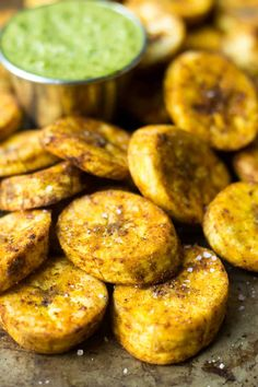 A great carb source, these Sweet & Spicy Baked Plantains are an easy side for breakfast or dinner and are paleo, vegan, and approved! - Eat the Gains Baked Plantains, Meal Prep Guide, Sweet And Spicy, Whole 30 Recipes, Different Recipes, Vegan Vegetarian, Favorite Recipes, Meals, Vegan