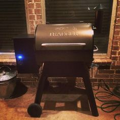 Sarah Claus wins most awesome wife award! #traeger #smoker @sarahbcooln Reposted Via @thebillypaul