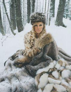 Kim Riekenberg Looks Luxe in the Snow for Tatler Snow Fashion, Fur Fashion, Fashion Brands, Style Fashion, Fur Blanket, Shirt Print Design, Long Gloves, Japanese Fashion, Mantel