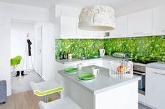 Kuchnie otwarte lub zamknięte, z zabudową kuchenną do sufitu lub tylko na dole, z wyspą lub ciągiem szafek - wszystkie są piękne i wygodne. Obejrzyj zdjęcia 20 najciekawszych kuchni.