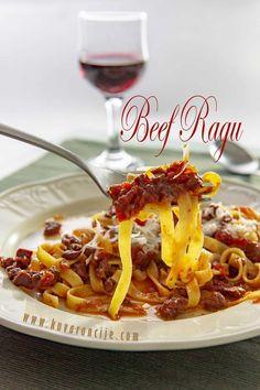 Goveđi ragu - Kuvarancije Meat Recipes, Chili, Spaghetti, Soup, Pasta, Beef, Meat, Chile, Soups