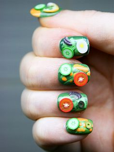 Salad Nail Art http://www.ivillage.com/nail-art-designs-food-nail-art/5-a-542346 This person must have a lot of patience !!!!