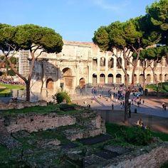Roma :) #coliseo #coliseu #turismo #turism #trip #viajem #viagem #mochilao by lnaddeo