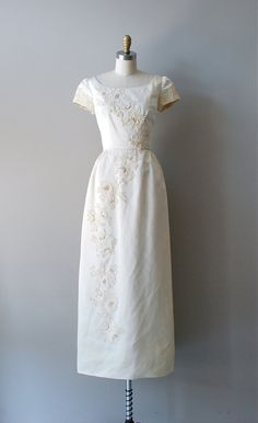 vintage wedding dress / 1960s wedding gown / Ivory Tower dress