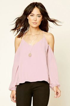 Forever 21 Contemporary - A woven open-shoulder top featuring a V-neckline, long… Forever 21 Fashion, Tee T Shirt, Pink Tops, Everyday Outfits, Casual Chic, Latest Trends, My Style, How To Wear, Shoulder Tops