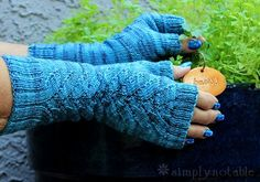 Warm, but light, Herbaceous mitts are just the ticket for cool fall days. Thebranched leaves lace patterngrows out of the lower ribbingan...