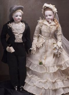 "18"" Very rare Fully original French Fashion Jumeau wedding couple with original box and accessories!"