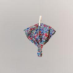 Fichu Saint-Lunaire - 9,90€. Retrouvez tous les produits d'Une Souris à Paris sur son site! http://www.unesourisaparis.com/