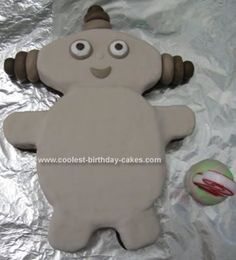 Homemade Makka Pakka Birthday Cake: My daughter's favourite In the Night Garden Character is Makka Pakka.  Therefore for her 2nd birthday I decided to attempt to create a Makka Pakka birthday