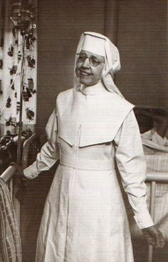 Osf College Of Nursing >> Traditional Nuns' Habits - GothicGarments.com | nuns