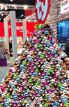 << this looks so tempting to jump in like a pile of leaves Ty Animals, Ty Stuffed Animals, Ty Teddies, Peluche Lion, Ty Beanie Boos Collection, Ty Bears, Ty Toys, Toys For Girls, Plushies