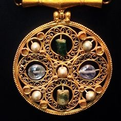 Byzantine jewellery from about the year 600 (at British Museum)