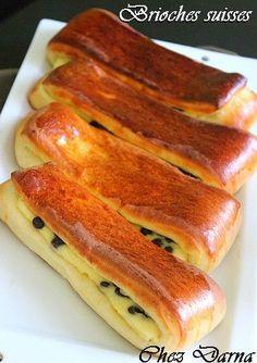 J'avais déjà posté les Shneiks aux pépites de chocolat, aujourd'hui c'est au tour d'une variante de cette viennoiserie, je vous poste aujourd'hui, les brioches suisses, une recette très simple à base d'une pate briochée qui donne un excellent résultat.... Italian Cookie Recipes, Cuban Recipes, Donut Recipes, Sweet Recipes, Just Desserts, Dessert Recipes, Cooking Time, Cooking Recipes, No Yeast Bread