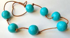 Paper Mache Beads Tutorial. Seems like a great bonding activity with my younger sister.
