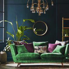 О... как насыщенные темные цвета в интерьере создают таинственность и уют в доме ! Но... не забывайте правильно подобрать оттенки, и внести в свой интерьер больше солнца - в виде латунных светильников и других предметов декора! #добройночи🌙 #design#designvam#goodnight🌙 #relax #collors#stile #ineriors #teksture#interiorplusdesign