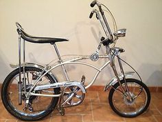 custom bikes photos are offered on our web pages. Have a look and you wont be sorry you did. Vintage Schwinn Bikes, Velo Vintage, Vintage Bicycles, Old Bicycle, Old Bikes, Bmx, Velo Retro, Lowrider Bicycle, Cycling Bikes