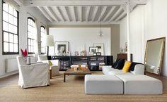 NOIR BLANC un style: Un loft en blanc et noir dans une ancienne usine de textile.