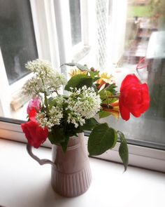 The weather thinks it's Autumn but in our garden it's summer. #Flowers freshly picked