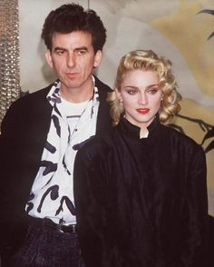 try-some-buy-some: George Harrison & Madonna at the Shanghai Surprise Press Conference March 1986 Foto Beatles, Die Beatles, Beatles Funny, Beatles Photos, George Harrison, Warren Beatty, Paul Mccartney, John Lennon, Music Icon