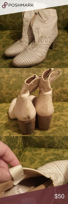 Muratti Ankle Boots Beautiful cream Muratti ankle booties in the softest leather. So beautiful on, and comfortable! Darkening on the hell of the left boot. Pretty sure leather cleaner would take care of that, but I just never tried. Muratti Shoes Ankle Boots & Booties