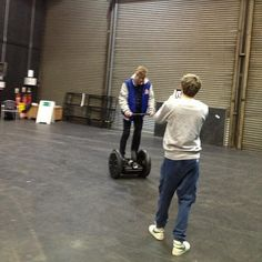 Luke on Niall's segway! :) Niall knows how to do life. He gets rich and then buys a segway and takes it everywhere he goes. Rich people: GIVE NIALL ALL YOUR MONEY. Doctor Help, Make Dreams Come True, Instagram Marketing Tips, Louis Williams, James Horan, Rich People, Love Me Forever, 1d And 5sos, Luke Hemmings