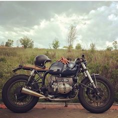 "oldschoolbikes: "" overboldmotorco: "" @caferacerdreams R100 via @beemer_brothers by elegant_apparatus http://ift.tt/20QUK0W "" www.oldschoolbikes.tumblr.com """