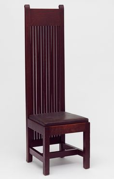 Frank Lloyd Wright Robie House inspired oak dining chair -1902 located in the Victoria and Albert Museum - Arts and Crafts