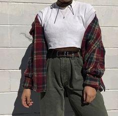 Самые популярные тэги этого изображения включают: outfit, grunge, style и vintage